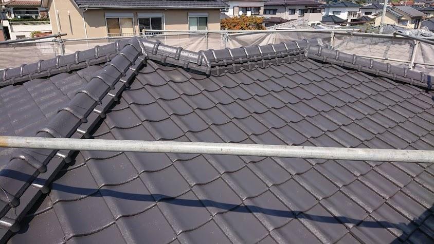屋根塗装完工.jpg